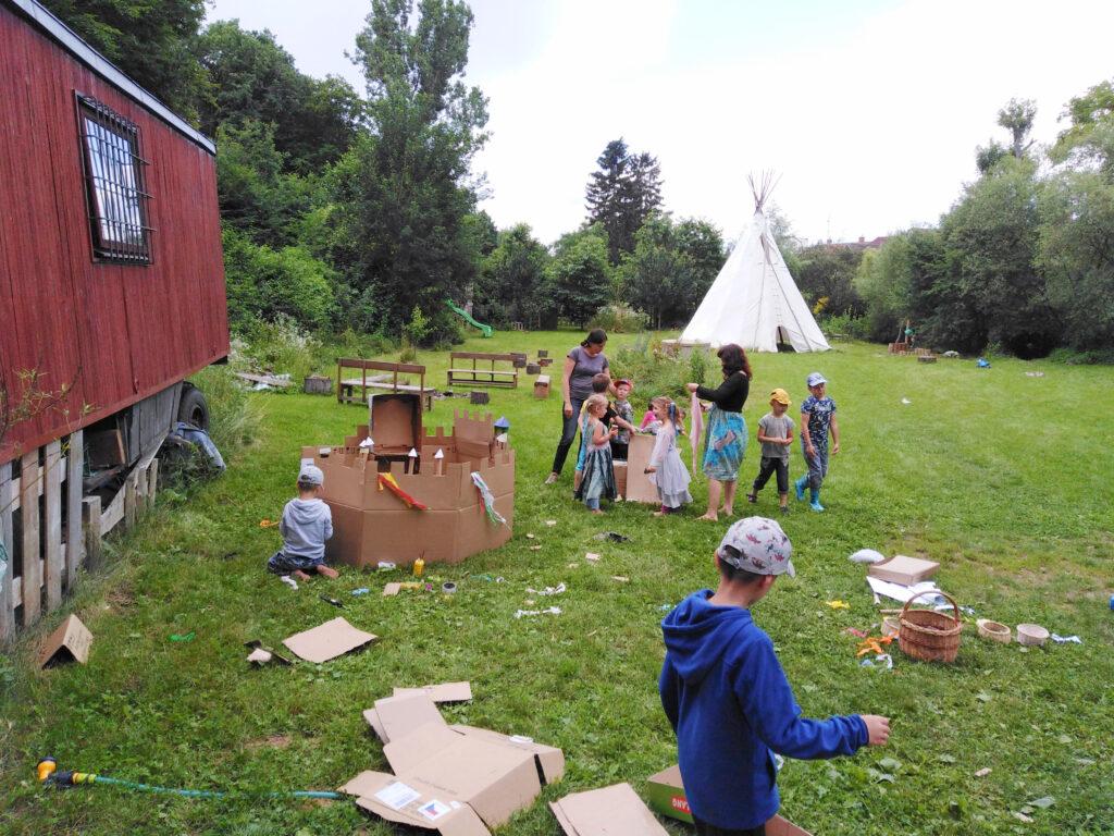 letní táborová stavba hradu